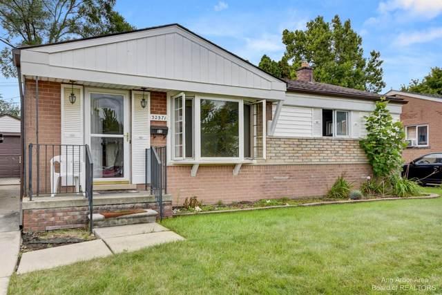 32571 Sandra Lane, Westland, MI 48185 (MLS #3283389) :: Berkshire Hathaway HomeServices Snyder & Company, Realtors®