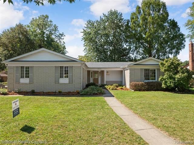 5693 Patterson Drive, Troy, MI 48085 (MLS #R2210078146) :: Berkshire Hathaway HomeServices Snyder & Company, Realtors®