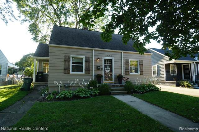 2091 Royal Avenue, Berkley, MI 48072 (MLS #R2210073930) :: Berkshire Hathaway HomeServices Snyder & Company, Realtors®