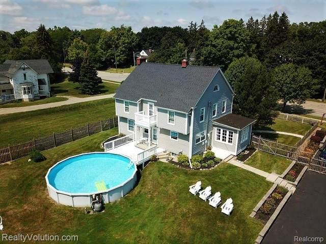 1439 W Genesee Street, Lapeer, MI 48446 (MLS #R2210079433) :: Berkshire Hathaway HomeServices Snyder & Company, Realtors®
