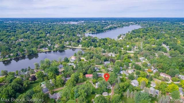 492 Hoag Drive, Lake Orion, MI 48362 (MLS #R2210080271) :: Berkshire Hathaway HomeServices Snyder & Company, Realtors®