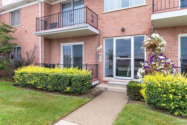 32175 Beaconsfield St Unit 16 Door 4, Roseville, MI 48066 (MLS #R2210079929) :: Berkshire Hathaway HomeServices Snyder & Company, Realtors®