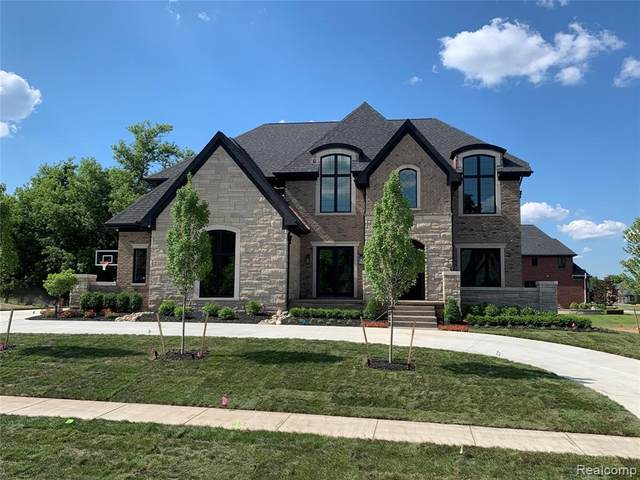 4664 The Heights Blvd, Rochester, MI 48306 (MLS #R2210079772) :: Berkshire Hathaway HomeServices Snyder & Company, Realtors®
