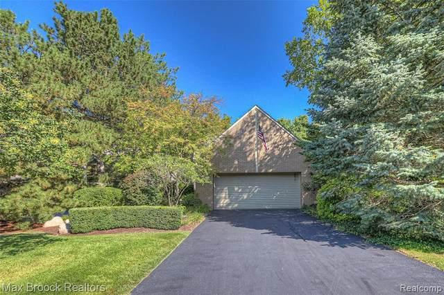 3898 Wabeek Lake Drive E, Bloomfield Hills, MI 48302 (MLS #R2210080697) :: Berkshire Hathaway HomeServices Snyder & Company, Realtors®