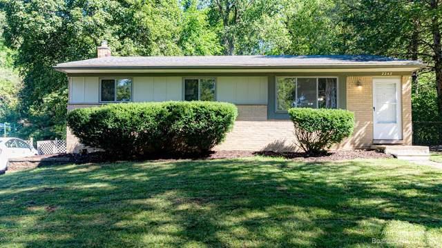 2242 Stellar Street, Ann Arbor, MI 48105 (MLS #3284197) :: Berkshire Hathaway HomeServices Snyder & Company, Realtors®