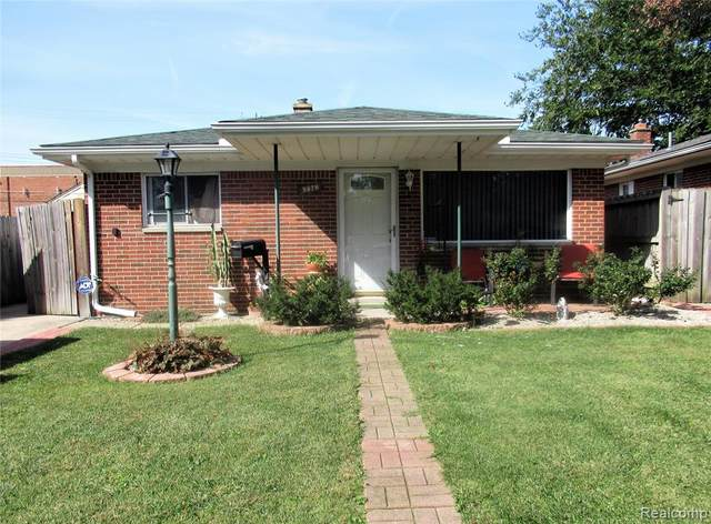 5679 N Highland Street, Dearborn Heights, MI 48127 (MLS #R2210081232) :: Berkshire Hathaway HomeServices Snyder & Company, Realtors®