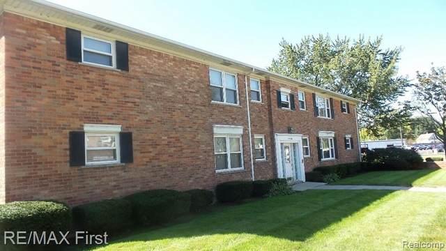 17580 Mack Ave Apt 3, Grosse Pointe, MI 48230 (MLS #R2210082782) :: Berkshire Hathaway HomeServices Snyder & Company, Realtors®