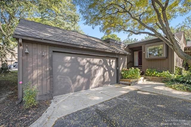 4 Eastbury Court, Ann Arbor, MI 48105 (MLS #3284274) :: Berkshire Hathaway HomeServices Snyder & Company, Realtors®