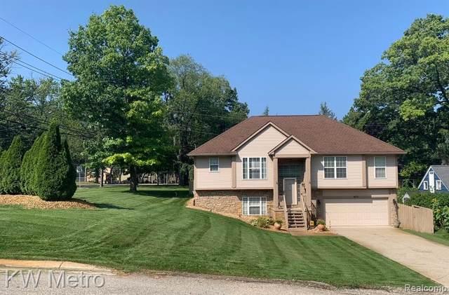 4176 Alston Blvd, West Bloomfield, MI 48323 (MLS #R2210083327) :: Berkshire Hathaway HomeServices Snyder & Company, Realtors®