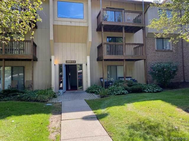 30052 W 12 Mile Rd Unit 67, Farmington Hills, MI 48334 (MLS #R2210083874) :: Berkshire Hathaway HomeServices Snyder & Company, Realtors®