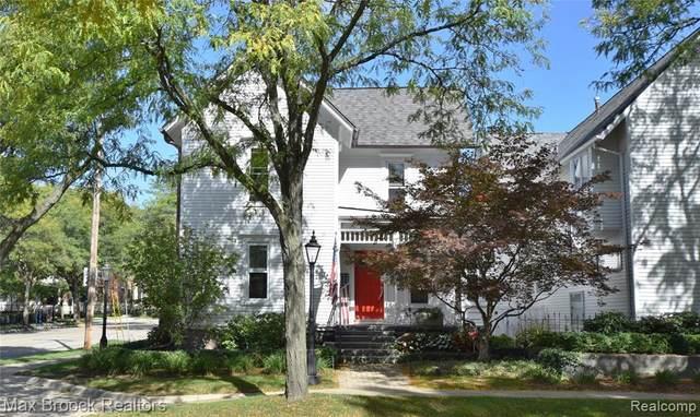 384 W Brown St Unit 4, Birmingham, MI 48009 (MLS #R2210084687) :: Berkshire Hathaway HomeServices Snyder & Company, Realtors®
