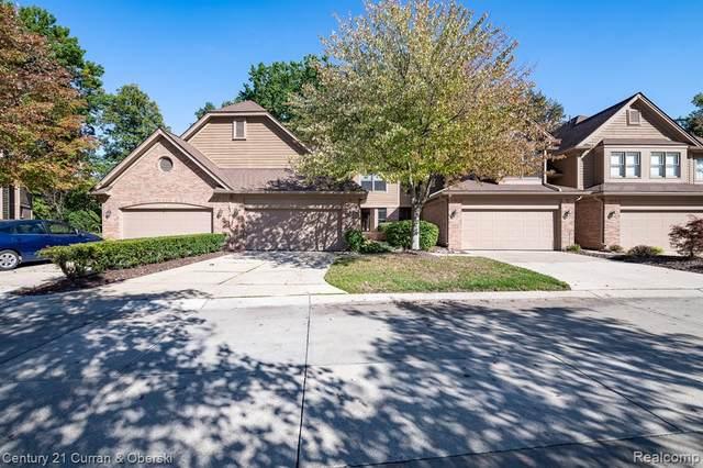 5306 Royal Vale Lane, Dearborn, MI 48126 (MLS #R2210085614) :: Berkshire Hathaway HomeServices Snyder & Company, Realtors®