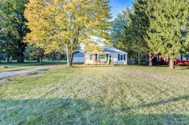 3674 N River Road, Fort Gratiot, MI 48059 (MLS #R2210088241) :: Berkshire Hathaway HomeServices Snyder & Company, Realtors®
