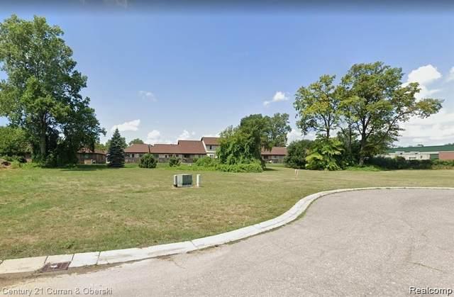 331 Francesco, Dearborn, MI 48124 (MLS #R2210089082) :: Berkshire Hathaway HomeServices Snyder & Company, Realtors®