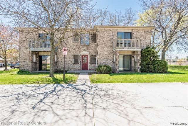 286 E 13 Mile Rd Apt 203, Madison Heights, MI 48071 (MLS #R2210088102) :: Berkshire Hathaway HomeServices Snyder & Company, Realtors®