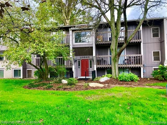 29880 W 12 Mile Rd #805, Farmington Hills, MI 48334 (MLS #R2210089163) :: Berkshire Hathaway HomeServices Snyder & Company, Realtors®