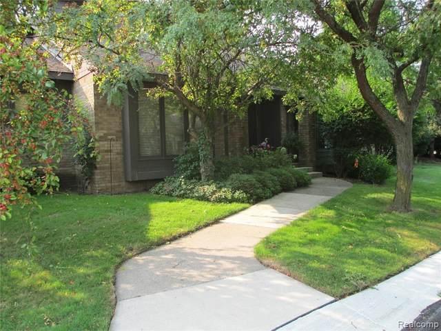 5550 Woodland, West Bloomfield, MI 48322 (MLS #R2210076735) :: Berkshire Hathaway HomeServices Snyder & Company, Realtors®