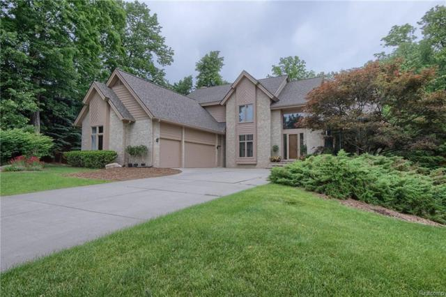 6272 Bromley Crt, West Bloomfield, MI 48322 (MLS #R218053038) :: The Toth Team