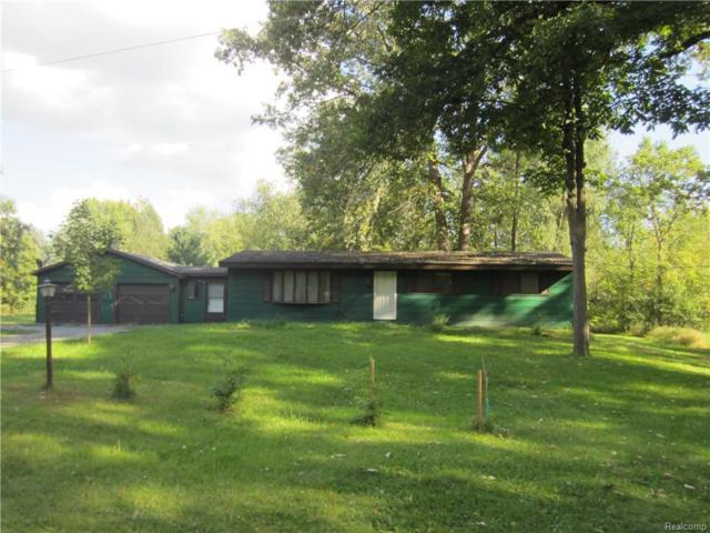 385 Jennings Rd, Whitmore Lake, MI 48189 (MLS #R218090981) :: The Toth Team