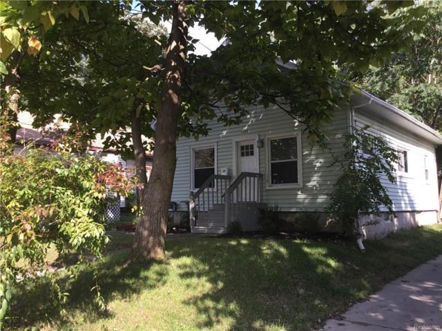1910 Thompson St, Lansing, MI 48906 (MLS #R218096697) :: Keller Williams Ann Arbor