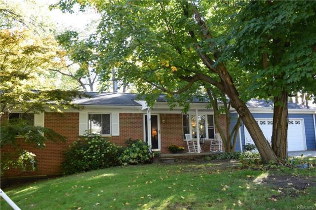 2605 Hillcrest, Wixom, MI 48393 (MLS #R218097922) :: Berkshire Hathaway HomeServices Snyder & Company, Realtors®