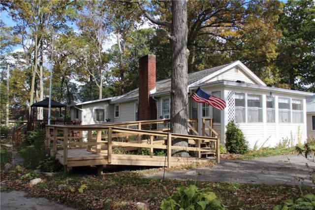 643 E East Shore Dr, Whitmore Lake, MI 48189 (MLS #R218103695) :: Berkshire Hathaway HomeServices Snyder & Company, Realtors®