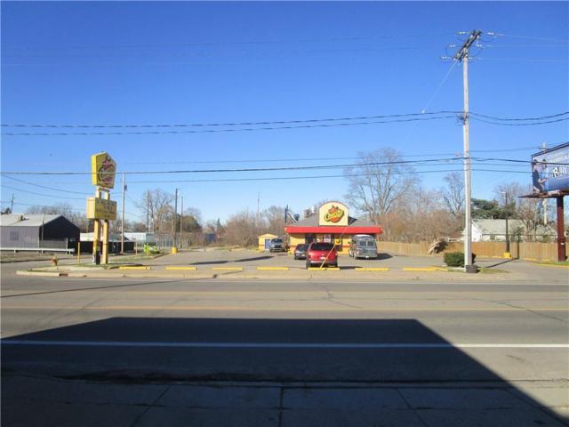 3043 S Dort Highway, Burton, MI 48529 (MLS #R218111132) :: Berkshire Hathaway HomeServices Snyder & Company, Realtors®