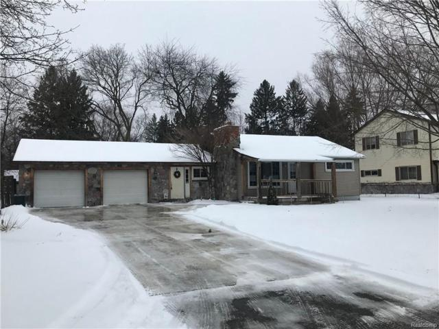 4440 Pinedale Ave, Clarkston, MI 48346 (MLS #R219010092) :: The Toth Team