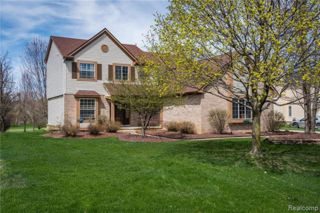 7933 Turnberry Dr, Whitmore Lake, MI 48189 (MLS #R219030093) :: The Toth Team