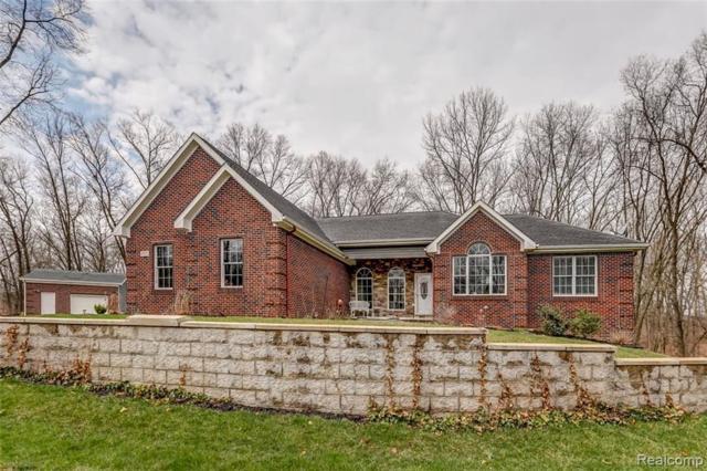 1922 Hidden Valley Rd, Howell, MI 48843 (MLS #R219034404) :: Berkshire Hathaway HomeServices Snyder & Company, Realtors®