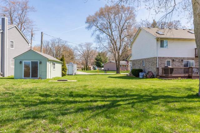 39839 Duluth St, Harrison, MI 48045 (MLS #R219036176) :: Berkshire Hathaway HomeServices Snyder & Company, Realtors®