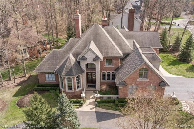 18315 Woodbury Crt, Northville, MI 48168 (MLS #R219036217) :: Berkshire Hathaway HomeServices Snyder & Company, Realtors®