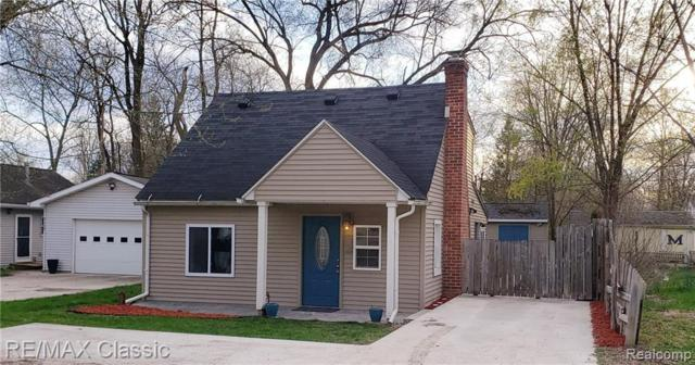 9133 Forest Rd, Whitmore Lake, MI 48189 (MLS #R219037088) :: The Toth Team