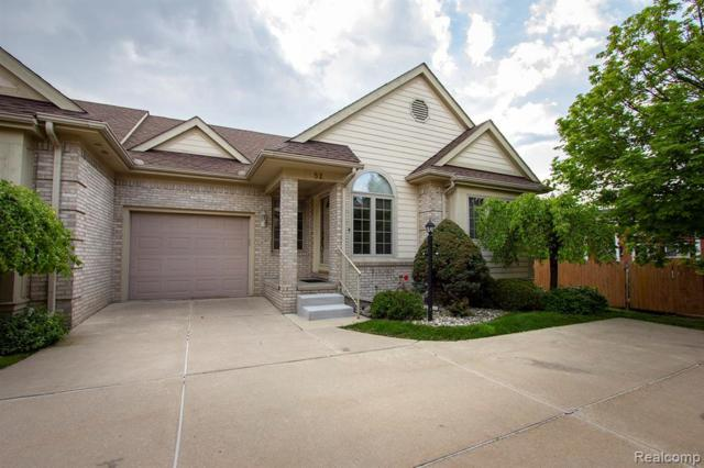 52 Hickory Crt, Dearborn Heights, MI 48127 (MLS #R219044270) :: The Toth Team