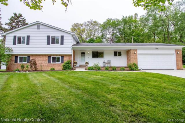 24960 S Cromwell Dr, Franklin, MI 48025 (MLS #R219044633) :: Berkshire Hathaway HomeServices Snyder & Company, Realtors®