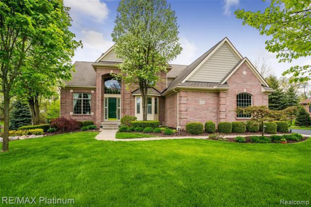3440 Woodridge Dr, Howell, MI 48843 (MLS #R219045373) :: The Toth Team