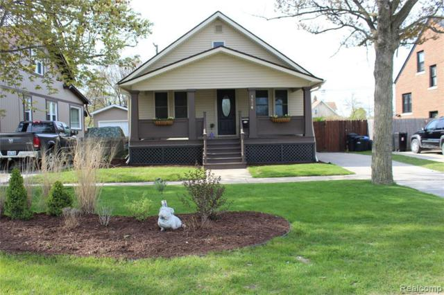 1526 Washington Ave, Port Huron, MI 48060 (MLS #R219046109) :: The Toth Team