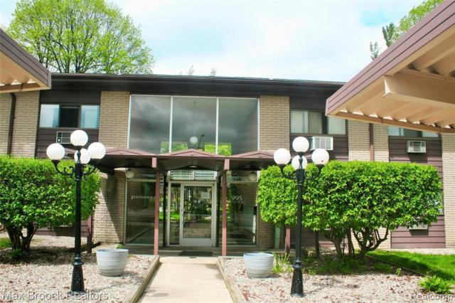 995 N Cass Lake Rd, Waterford, MI 48328 (MLS #R219046249) :: Keller Williams Ann Arbor
