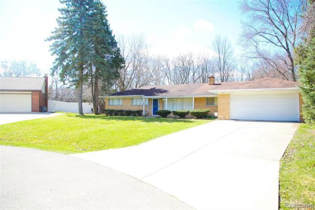 30075 Minglewood Ln, Farmington Hills, MI 48334 (MLS #R219046550) :: The Toth Team