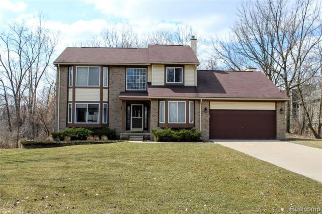 1594 Dell Rose Dr, Bloomfield Hills, MI 48302 (MLS #R219047350) :: The Toth Team