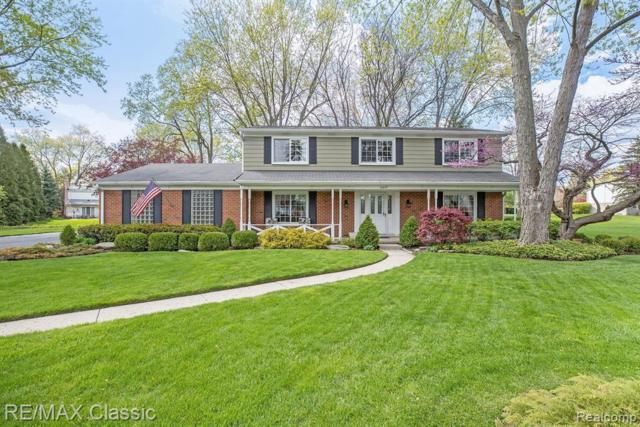 30851 N Wendybrook Crt, Farmington Hills, MI 48334 (MLS #R219047354) :: Keller Williams Ann Arbor