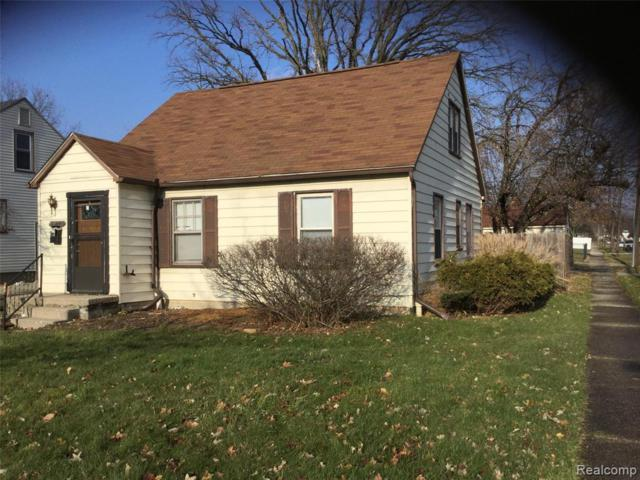 19775 Kingsville St, Harper Woods, MI 48225 (MLS #R219047413) :: The Toth Team