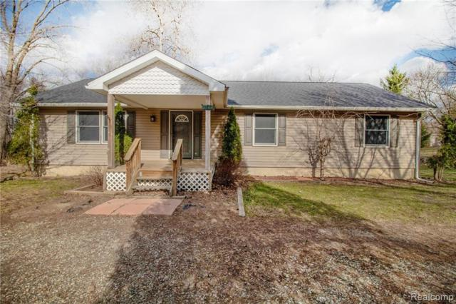 8784 Maplewood Ave, Clarkston, MI 48348 (MLS #R219047458) :: The Toth Team