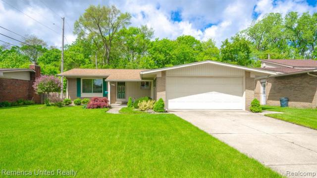 9411 Bassett St, Livonia, MI 48150 (MLS #R219049261) :: The Toth Team