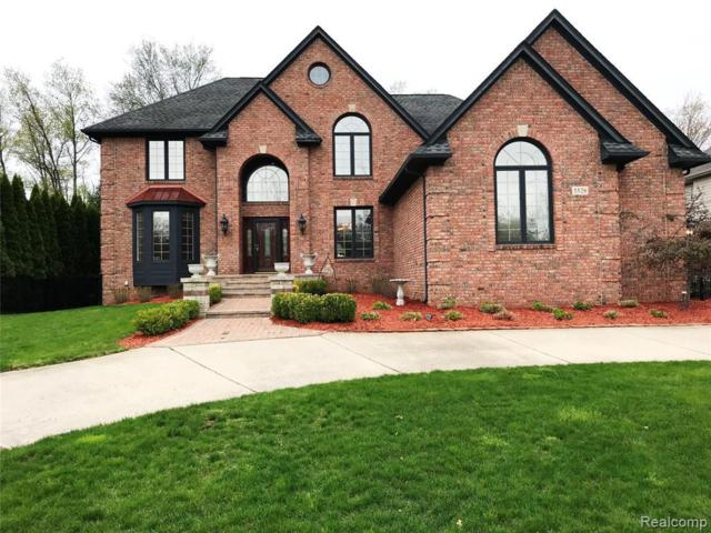 5526 Hampshire Dr, West Bloomfield, MI 48322 (MLS #R219049347) :: The Toth Team