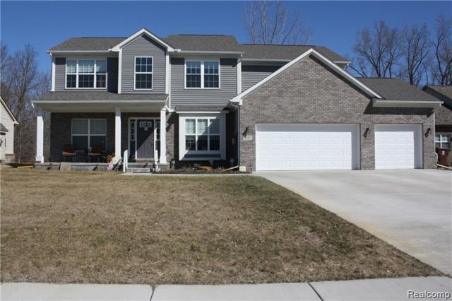 1592 Trace Hollow Dr, Commerce, MI 48382 (MLS #R219049364) :: The Toth Team