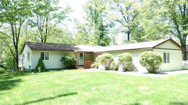 6204 Larch Trl, Lake, MI 48632 (MLS #R219054075) :: The Toth Team