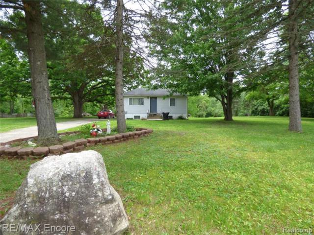 8891 Crosby Lake Rd, Clarkston, MI 48346 (MLS #R219057758) :: Berkshire Hathaway HomeServices Snyder & Company, Realtors®