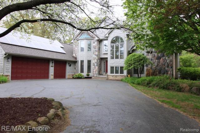 7660 Deerhill Dr, Clarkston, MI 48346 (MLS #R219058140) :: Berkshire Hathaway HomeServices Snyder & Company, Realtors®