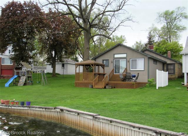 10300 Mary Lee Ave, White Lake, MI 48386 (MLS #R219058708) :: Berkshire Hathaway HomeServices Snyder & Company, Realtors®